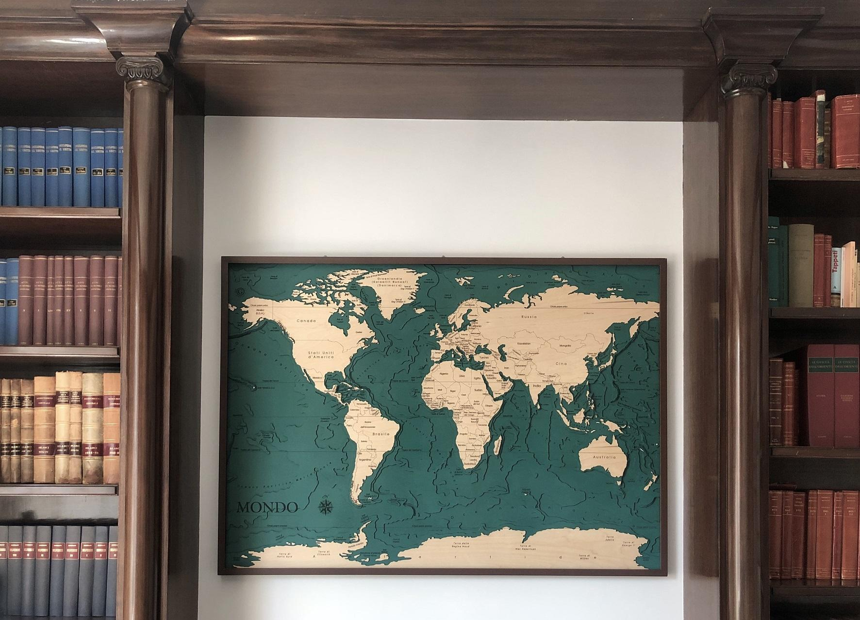 mappa topografica mondo in legno Gecko Art