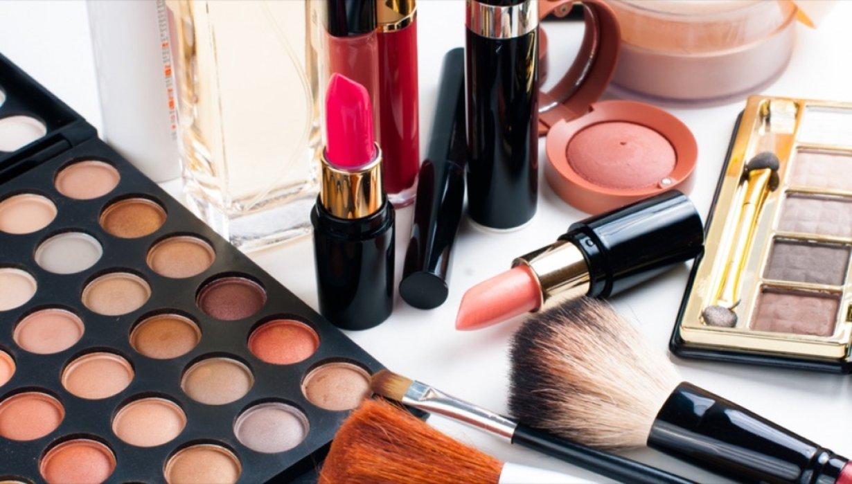 Cosmetica, crescono le vendite online
