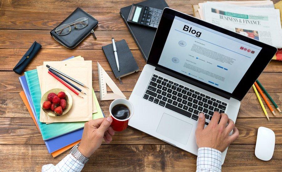 Blogger, chi è, cosa fa e definizione